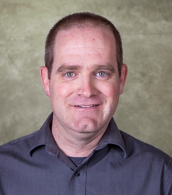 Daniel Saxton
